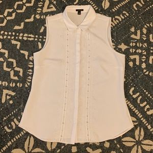 Ann Taylor Button down sleeveless blouse